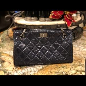 Authetic Chanel Leather Quilted Crossbody